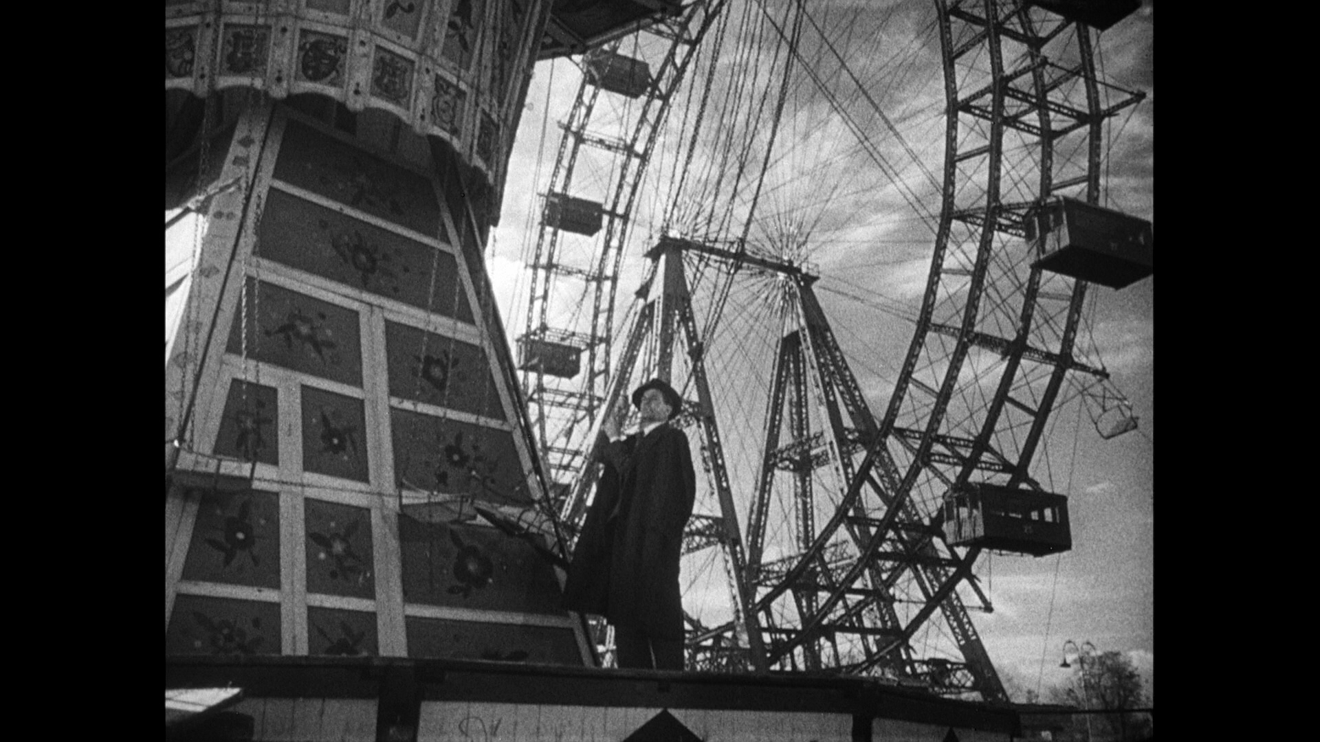 the third man analysis Our analysis suggests that one way to manage these dilemmas and balance the   the law-and-cinema discourse is one such channel and the third man.
