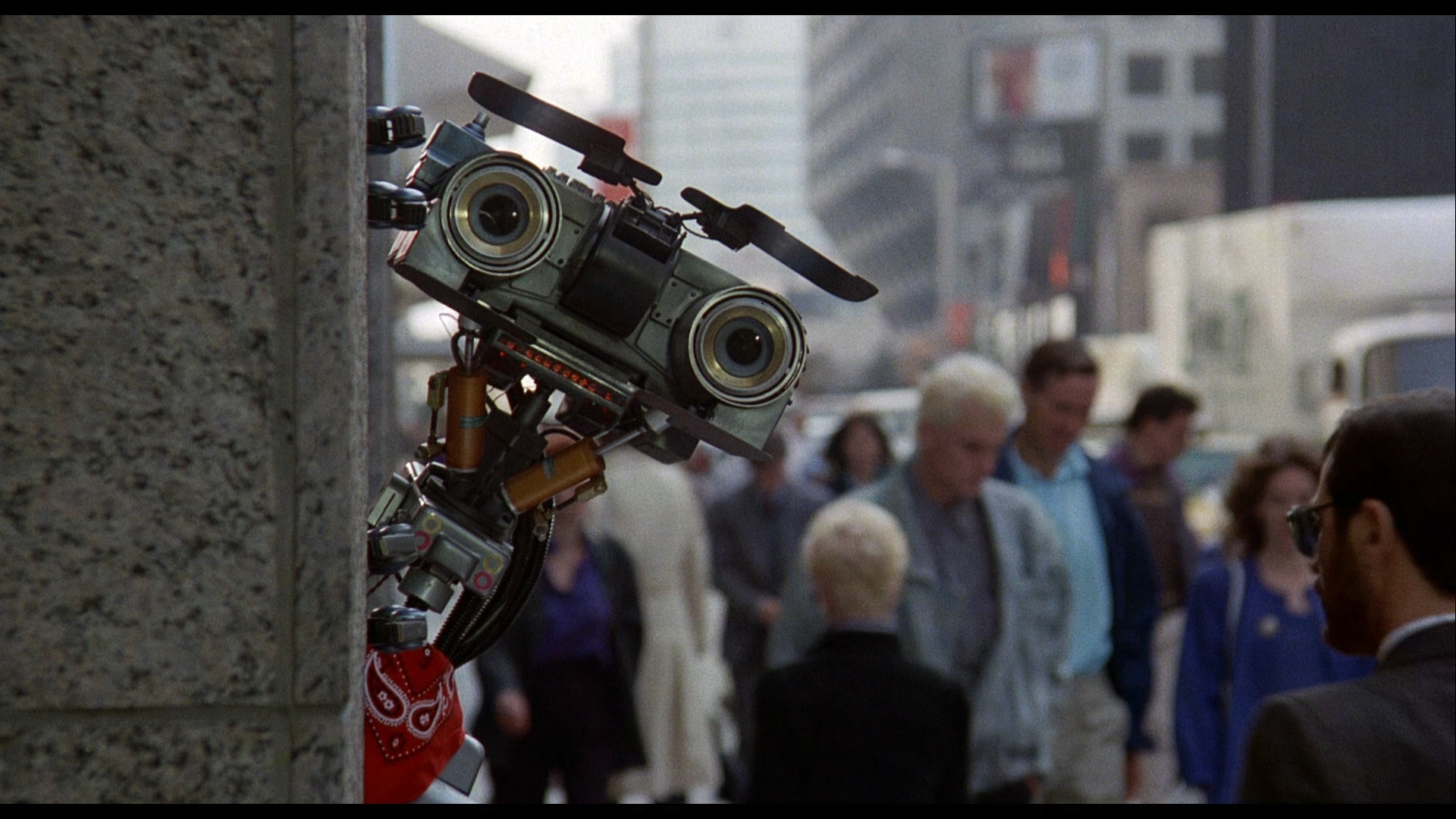 a review of the movie short circuit ★★☆☆☆ short circuit (1986) is a film which anyone old enough to remember first time round, will look back on with nostalgia as a defining sci-fi movie of.