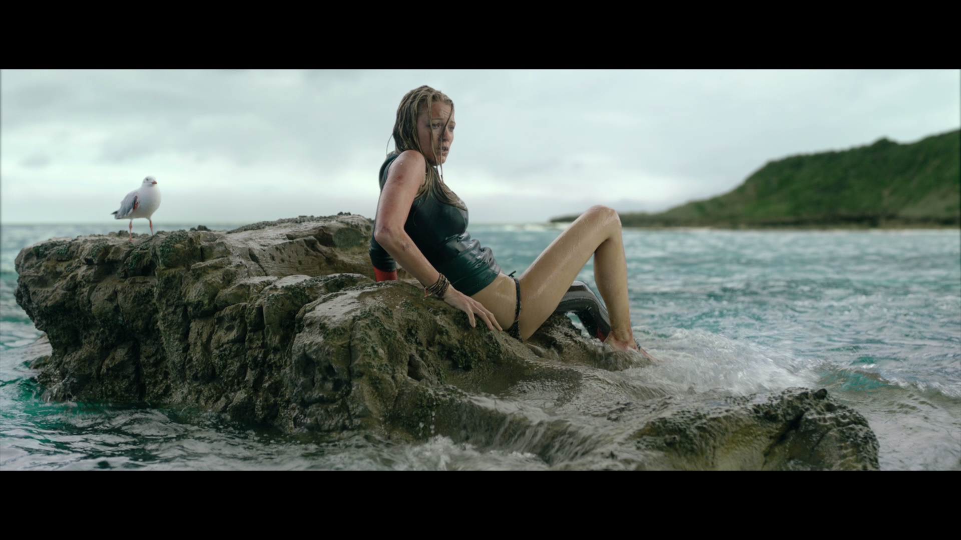 The Shallows Blu-ray screen shot 14